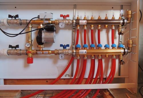 Сборка и установка сантехнической гребенки для теплого пола в Одинцово
