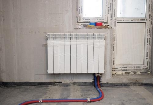 Установка биметаллического радиатора отопления в Одинцово
