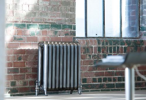 Установка чугунного радиатора отопления в Одинцово