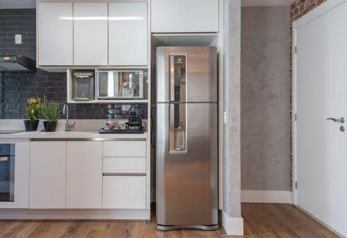 Установка холодильника в нишу в Одинцово