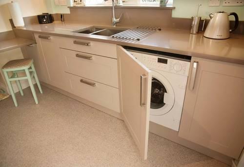 Установка стиральной машины на кухне в Одинцово