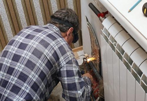 Замена радиатора отопления в квартире в Одинцово